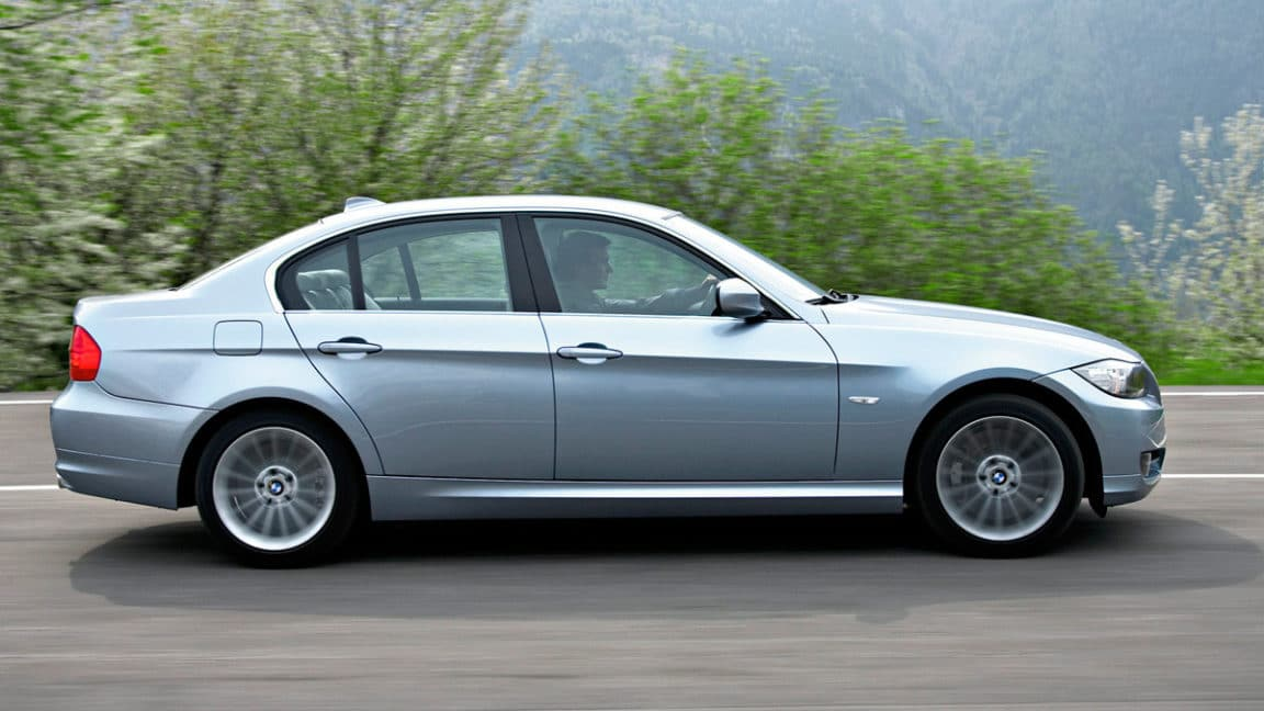 05-bmw-3-series_2009-lateral