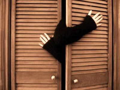 Gay consejos para salir del armario hombre moderno - Vestir un armario por dentro ...