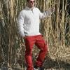 Jersey y pantalones de Timberland. Gafas Wandy. Calzado Adidas