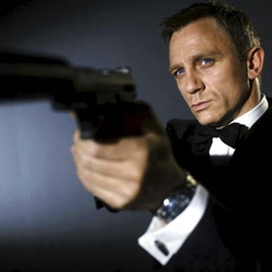 Bond, James Bond, se queda con la plata