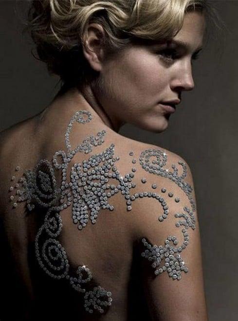 Tatuaje de diamantes, 924.000 dólares